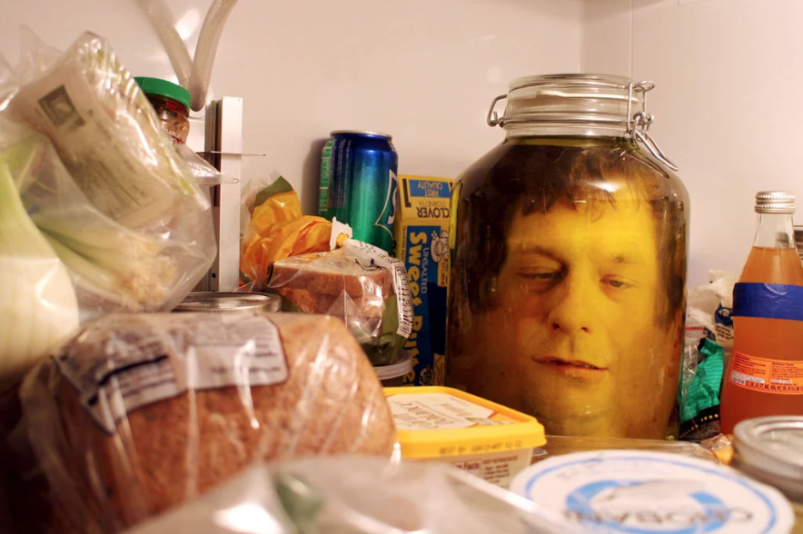 Woah! This awesome trick is perfect for scaring your kitchen guests this Halloween.