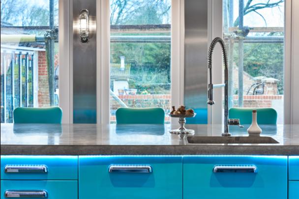 A Stoneham kitchen sink in smooth concrete.