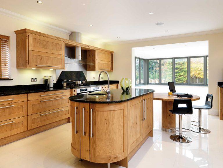 Lullingstone kitchen with island in solid oak