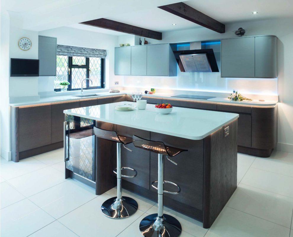 Oak kitchen island with bar stools