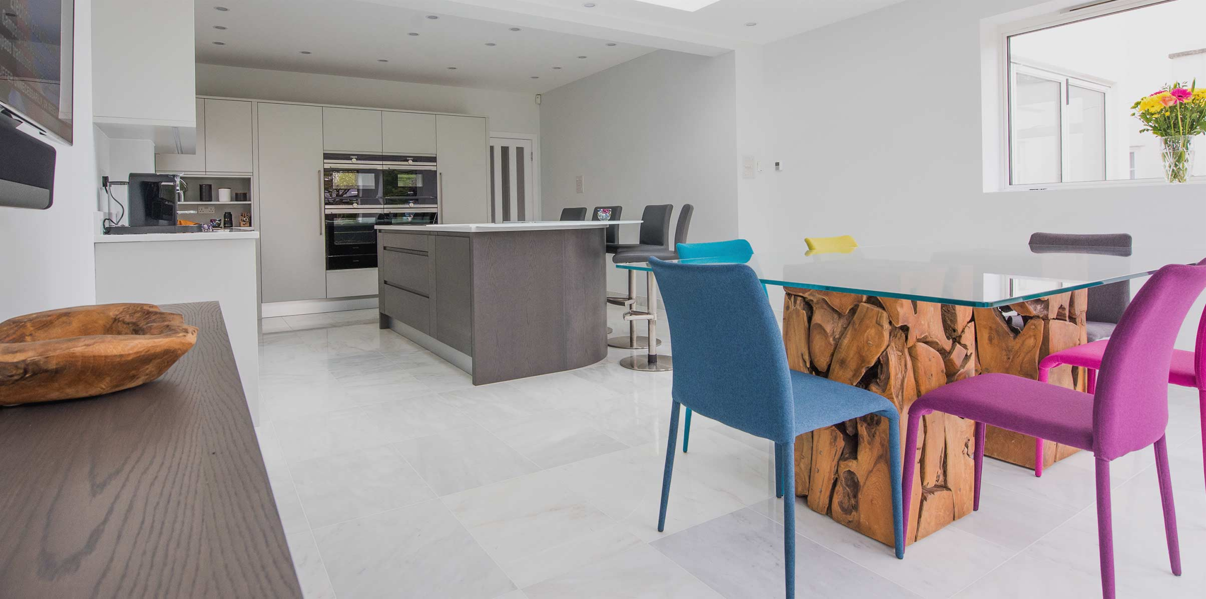Contemporary kitchen with Flow and Vibe ranges combined