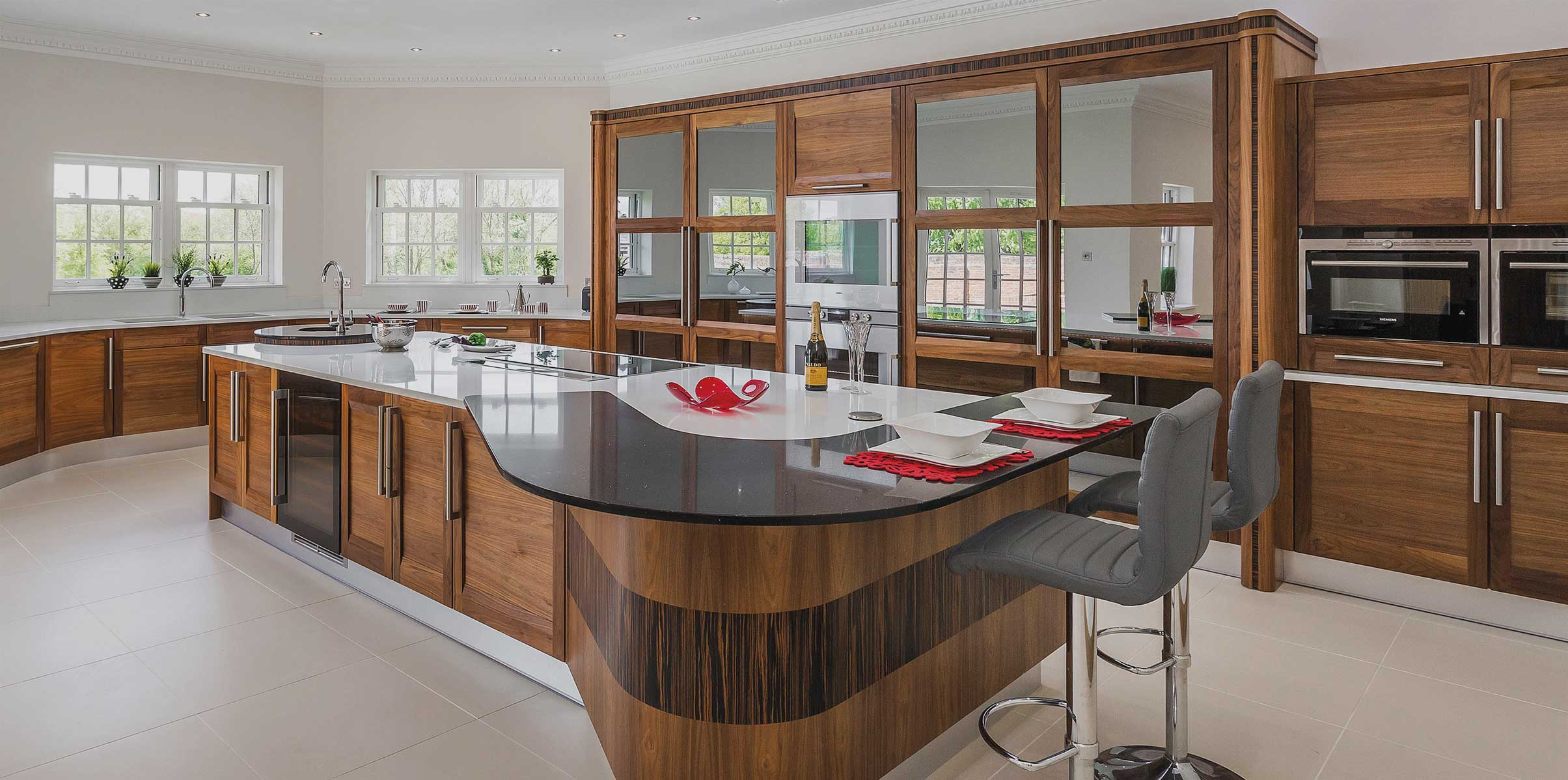 Strata kitchen with curved island