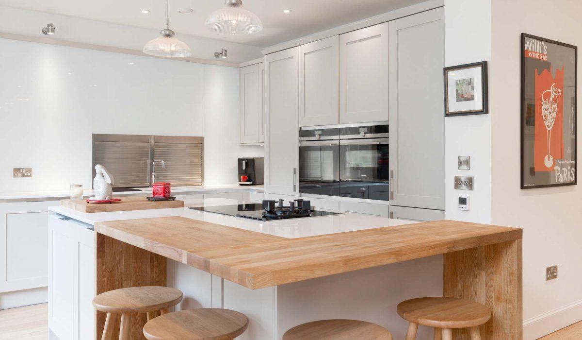 Classic and contemporary kitchen design in georgian for Kitchen design edinburgh