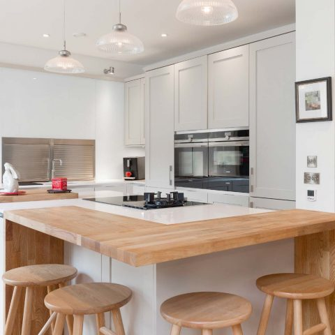 Customer story Cashmere and Edwardian ranges in wite with wood