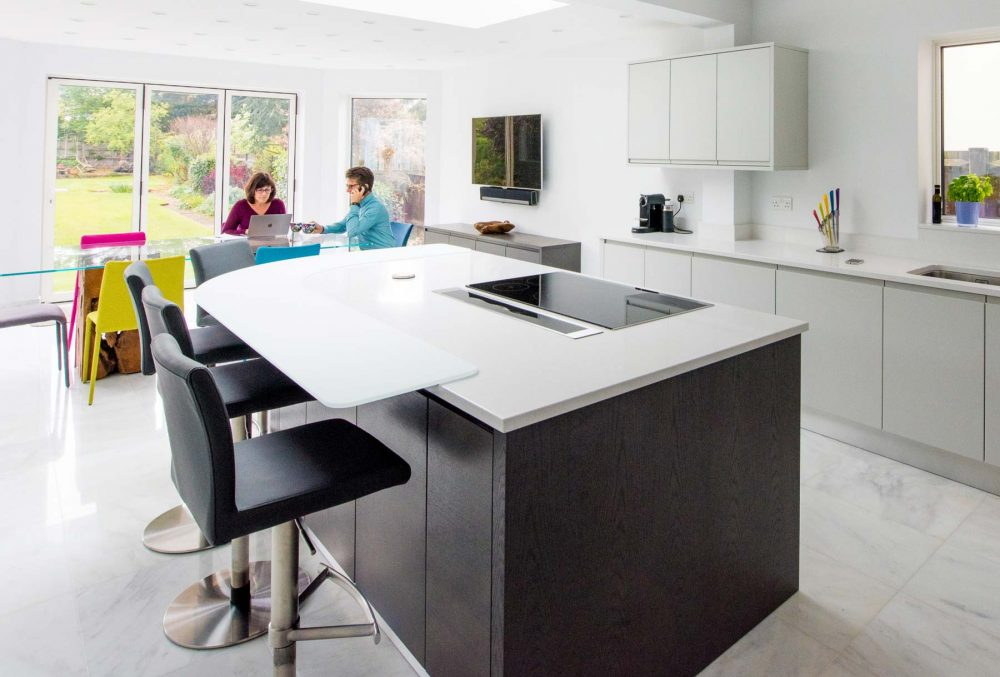 Customer story contemporary Flow kitchen island