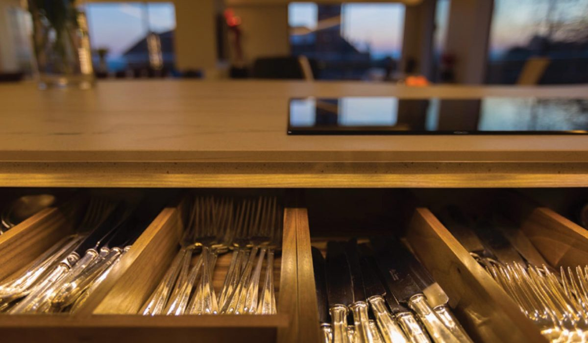 Traditional Autograph kitchen customer story cutlery drawer