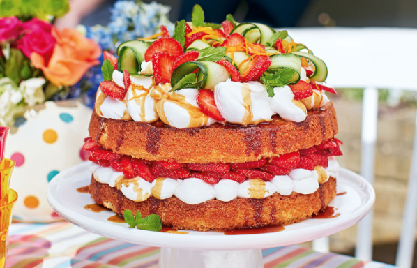 strawberry pimms layer cake
