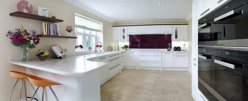 White shaker kitchen from Stoneham's Darwin collection