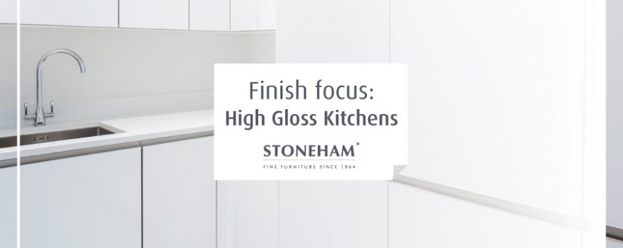 White gloss kitchen in Stoneham Flow collection